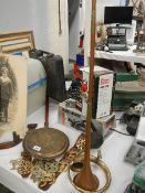 A mixed lot of brassware and a copper hunting horn.