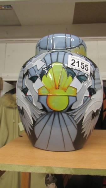 A Moorcroft silver gulls 769/8 limited edition Spirit of Australia ginger jar, 11 0f 25.