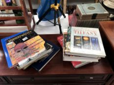 A good selection of reference books including Venice & Tiffany glass etc.