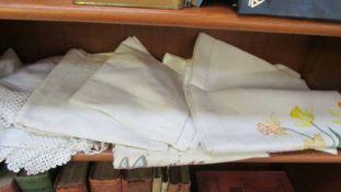 A quantity of linen