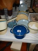 A mixed lot of earthenware.