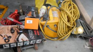 A quantity of electrical cables including jacks etc.