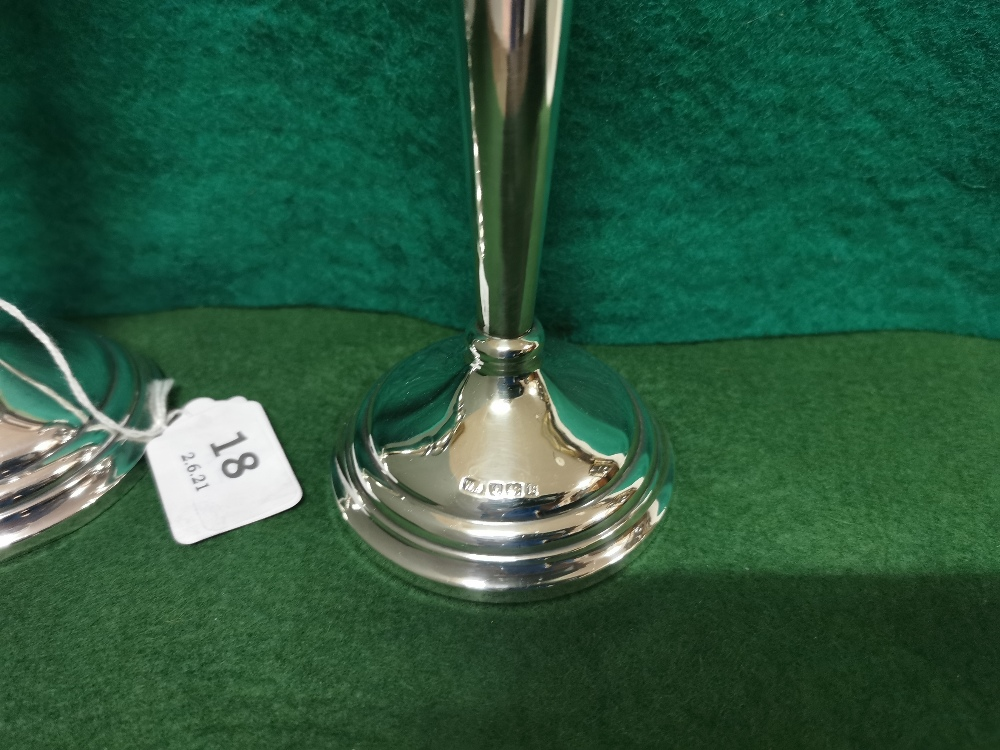 Matching Pair of Birmingham Silver Candlesticks, stamped 1951 (one top damaged), each 20cm high - Image 3 of 3