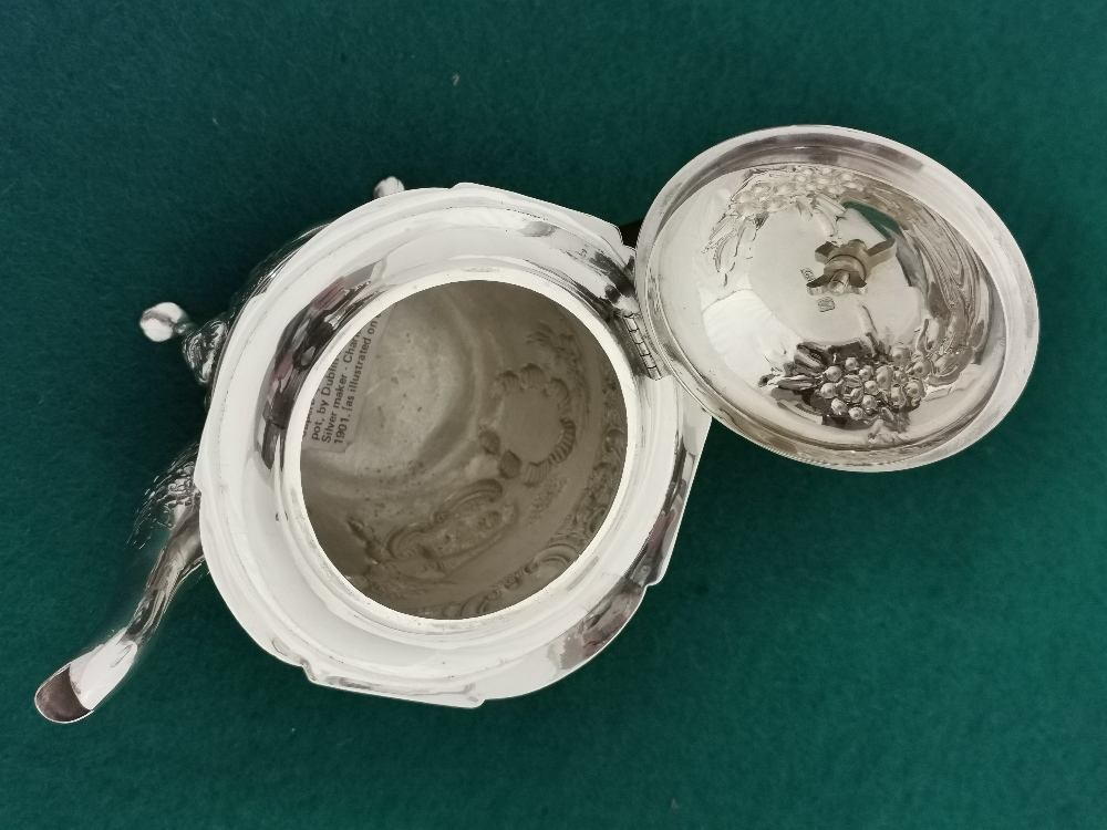 Irish Silver Teapot, by Charles Lamb, 1901, 505 gram weight (incl. Ebony handle), a swan mounted lid - Image 4 of 4