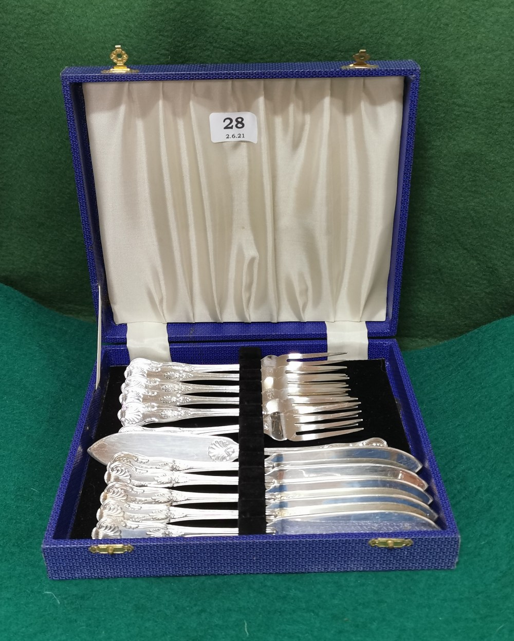6 Place Setting of decorative EPNS Fish Knife and Forks, in a blue canteen (12)