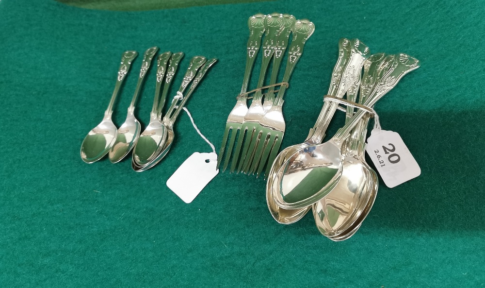 Set of 6 Kings Pattern Sheffield Solid Silver Dessert Spoons and a Matching Set of 4 Dessert Forks