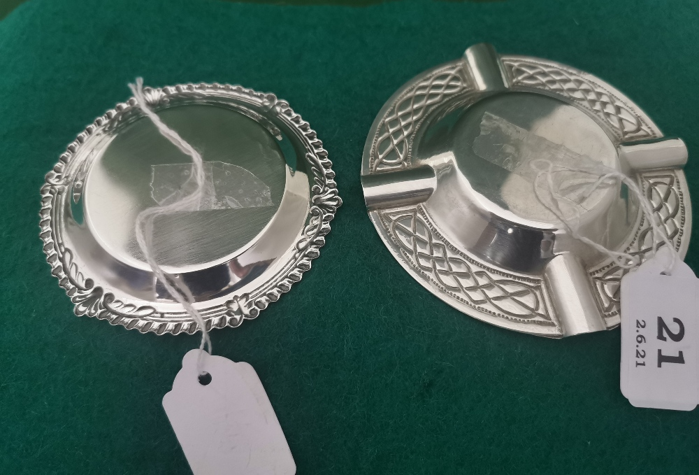 Irish Silver Pin Dish with ribbed borders, stamped J.M. & Co, 1907 9cm dia & a commemorative Irish - Image 3 of 3