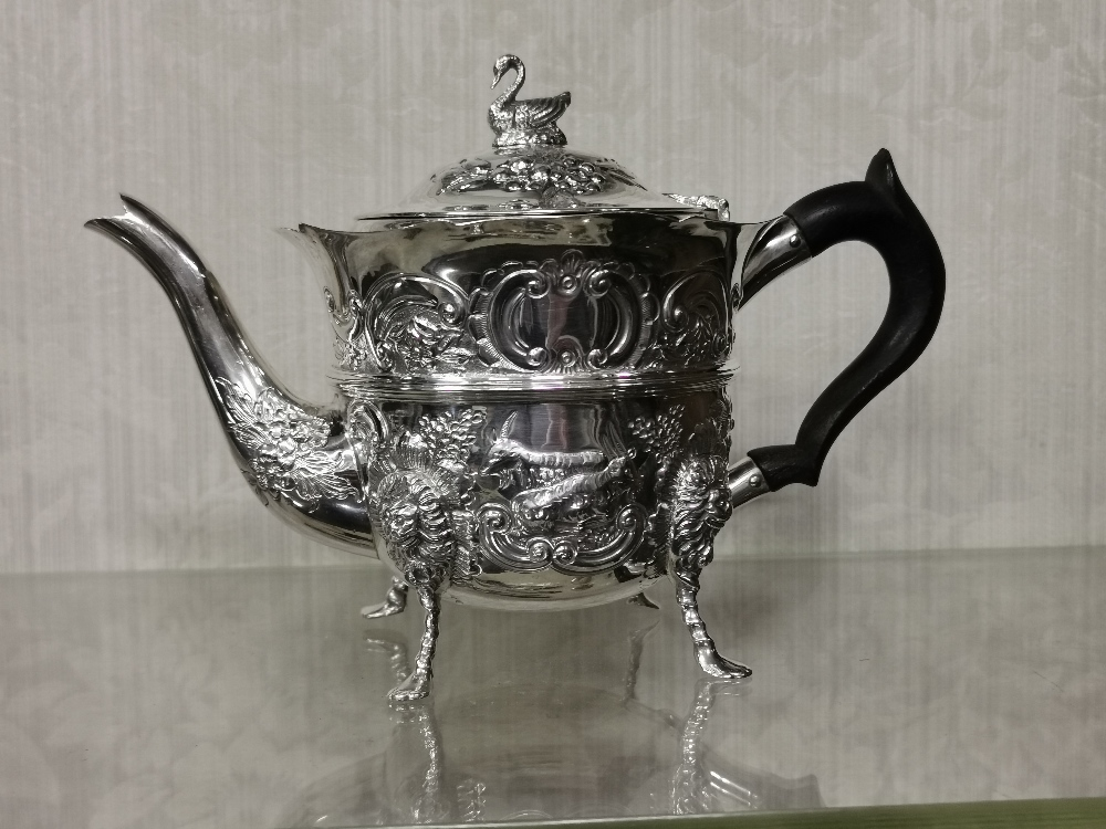 Irish Silver Teapot, by Charles Lamb, 1901, 505 gram weight (incl. Ebony handle), a swan mounted lid - Image 2 of 4