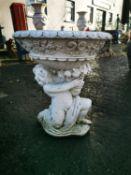 Composition urn.
