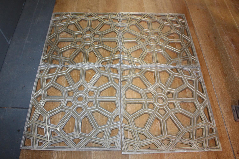 Aluminium floor / ceiling panels