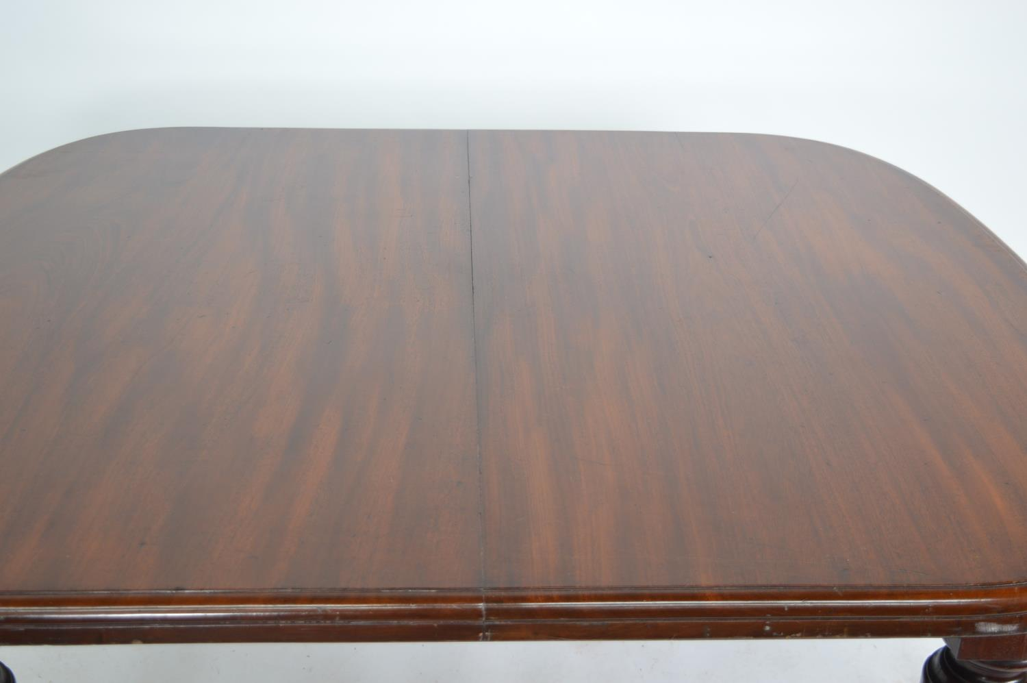 Victorian mahogany dining room table. - Image 2 of 3