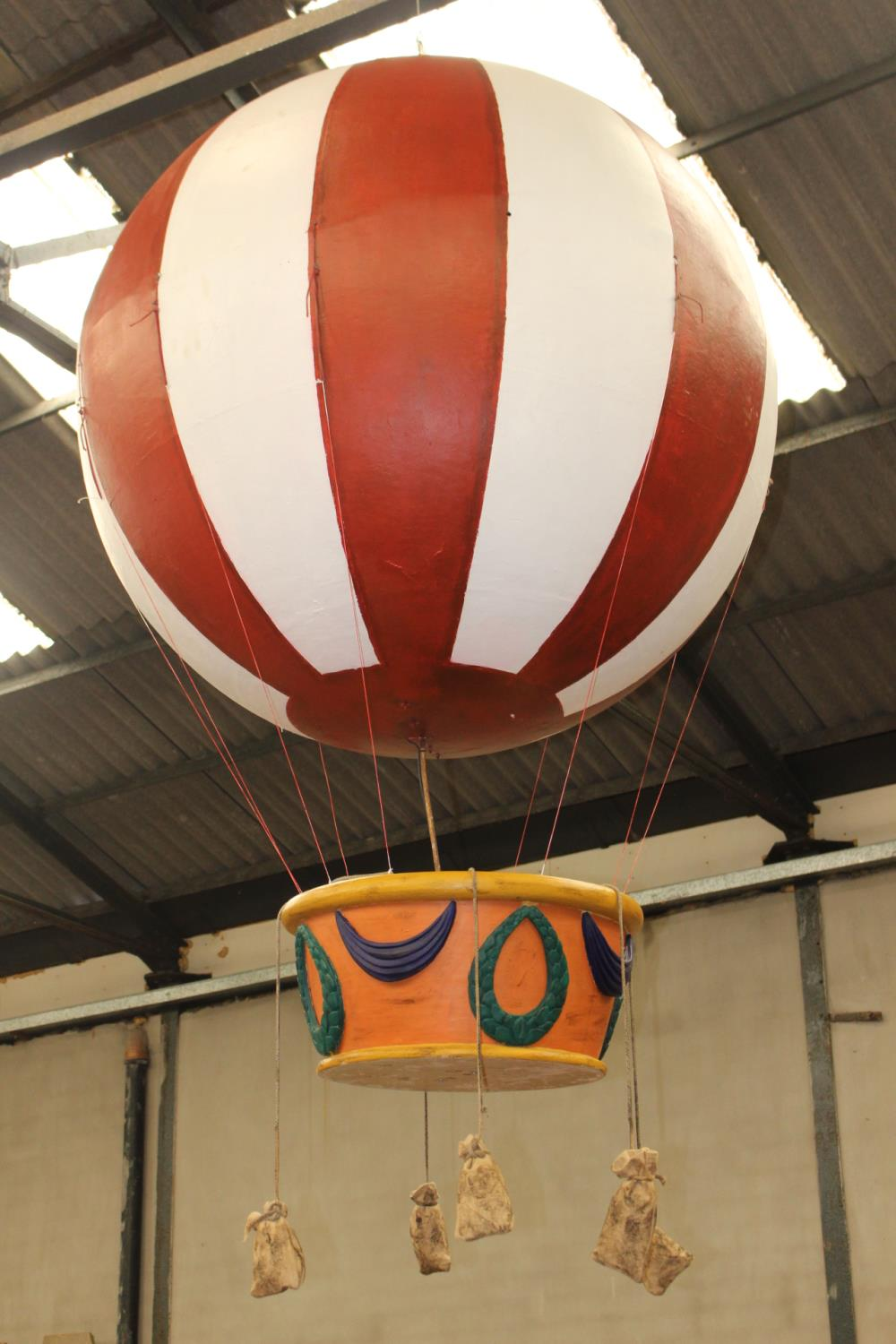 Resin model of Hot Air balloon - Image 2 of 3