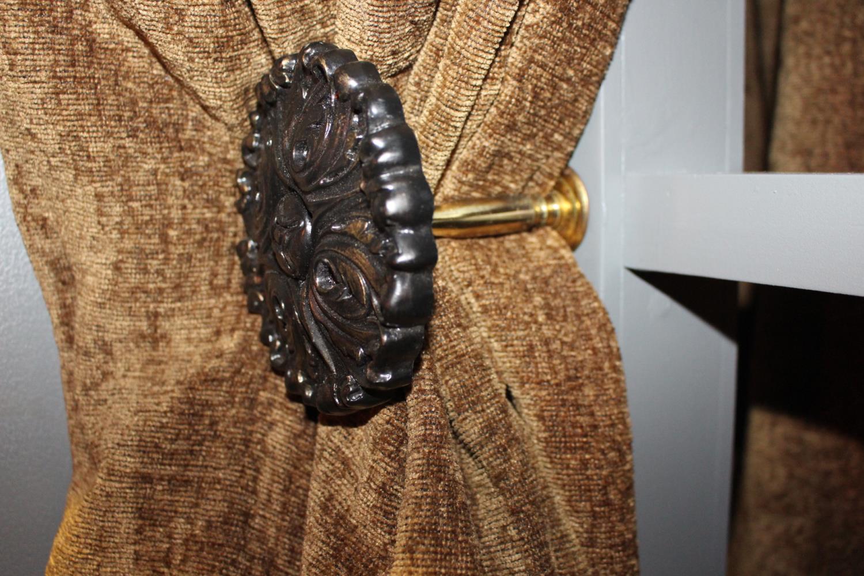 Curtain tie backs. - Image 2 of 2