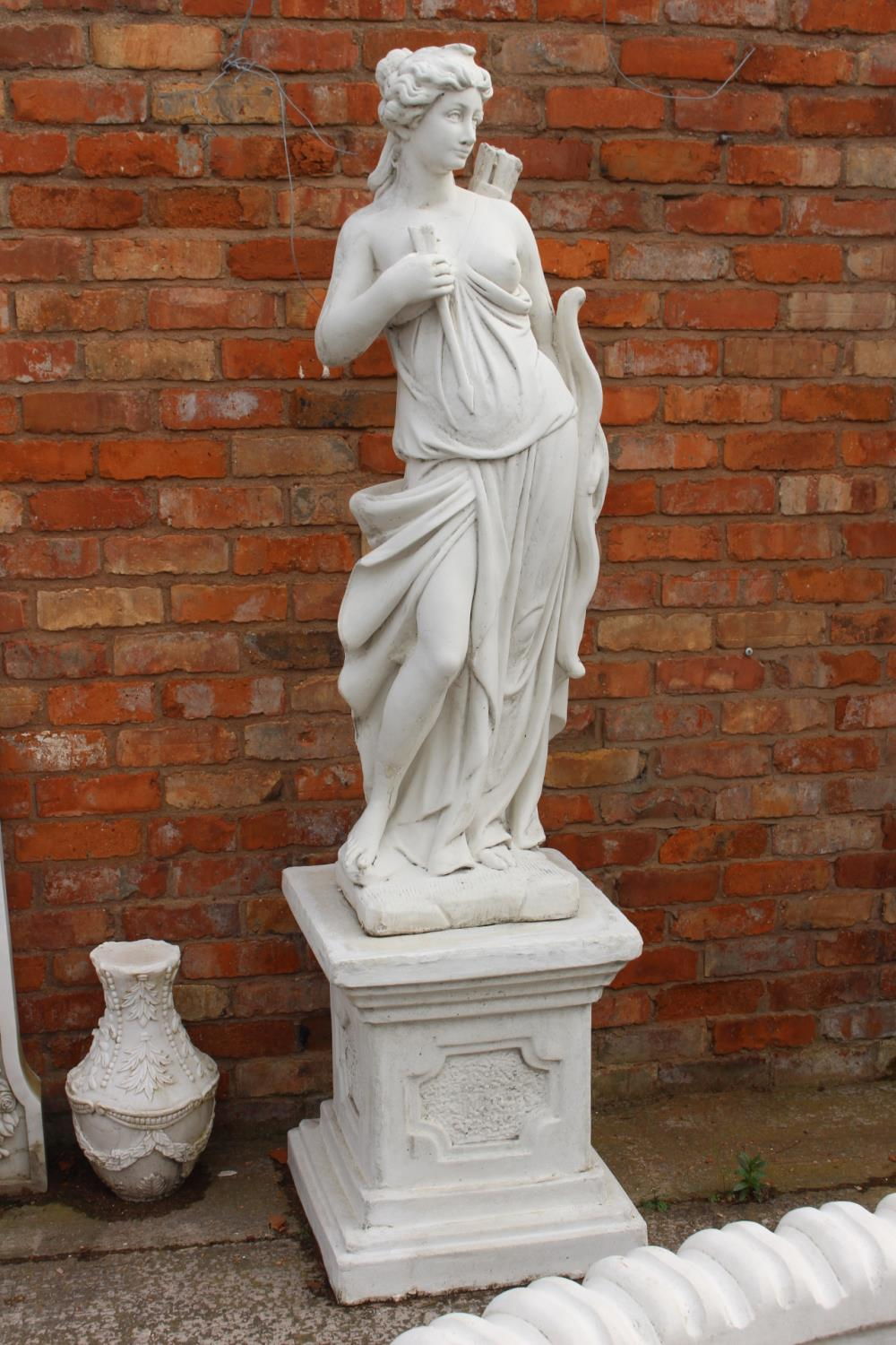 Composition figure of Diana the Huntress
