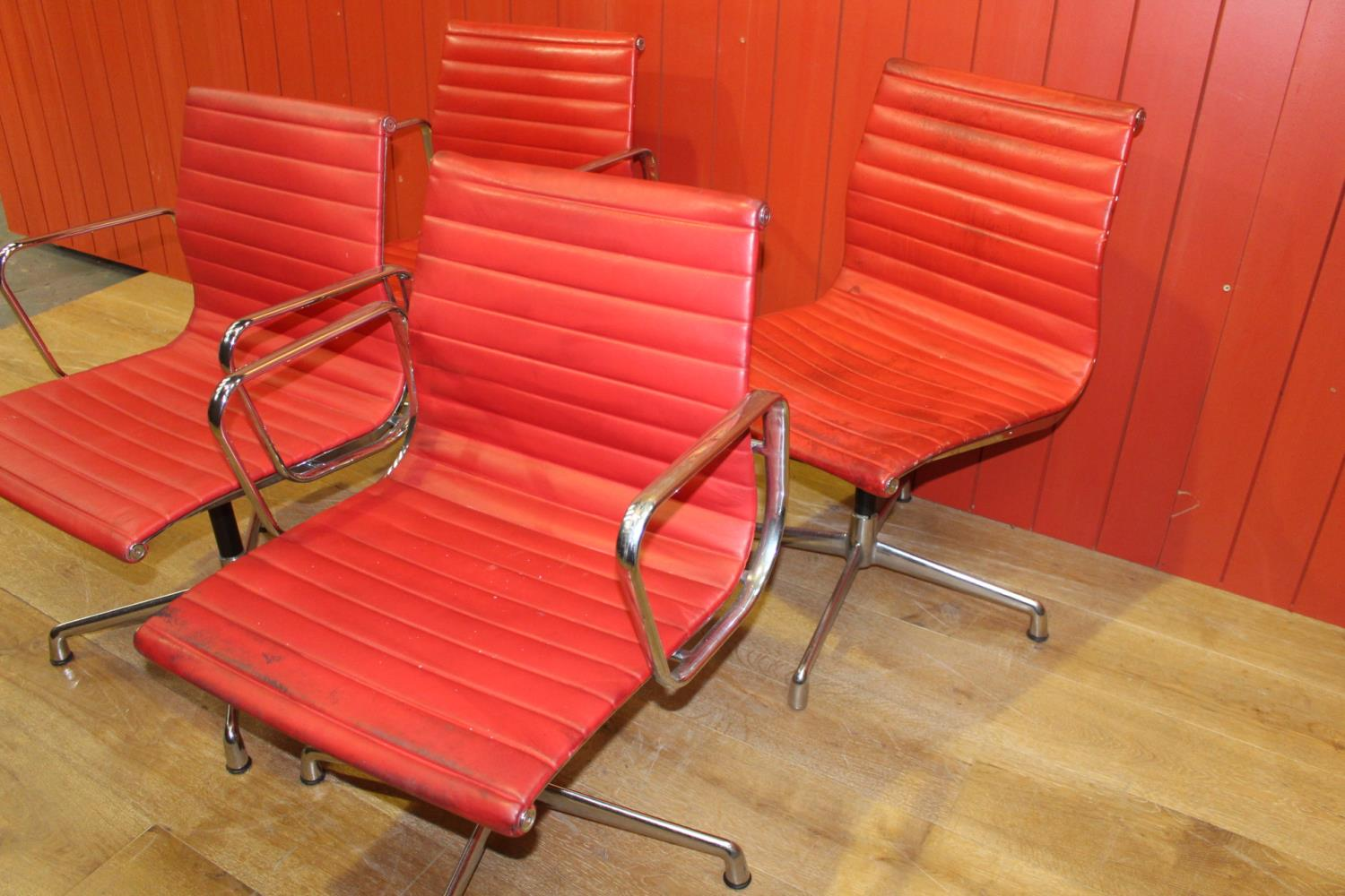1960's chome and leather swivel office chair - Image 2 of 3