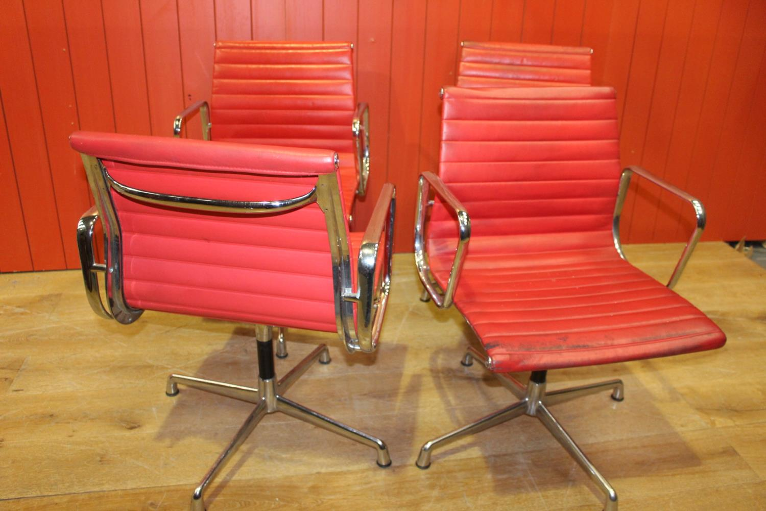 1960's chome and leather swivel office chair - Image 3 of 3