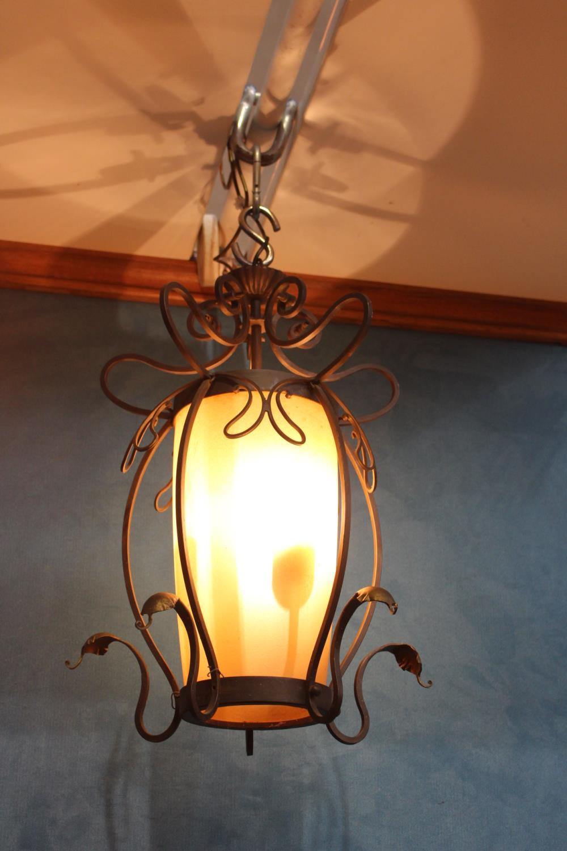 Decorative bronze hanging centre light