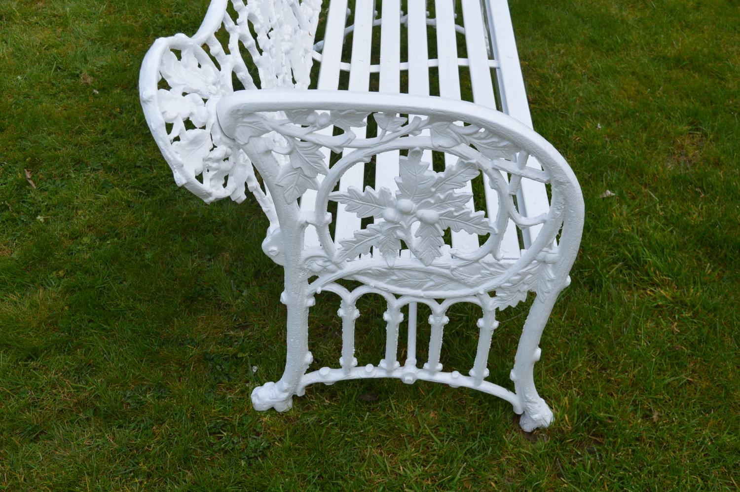 Cast iron garden bench. - Image 2 of 3