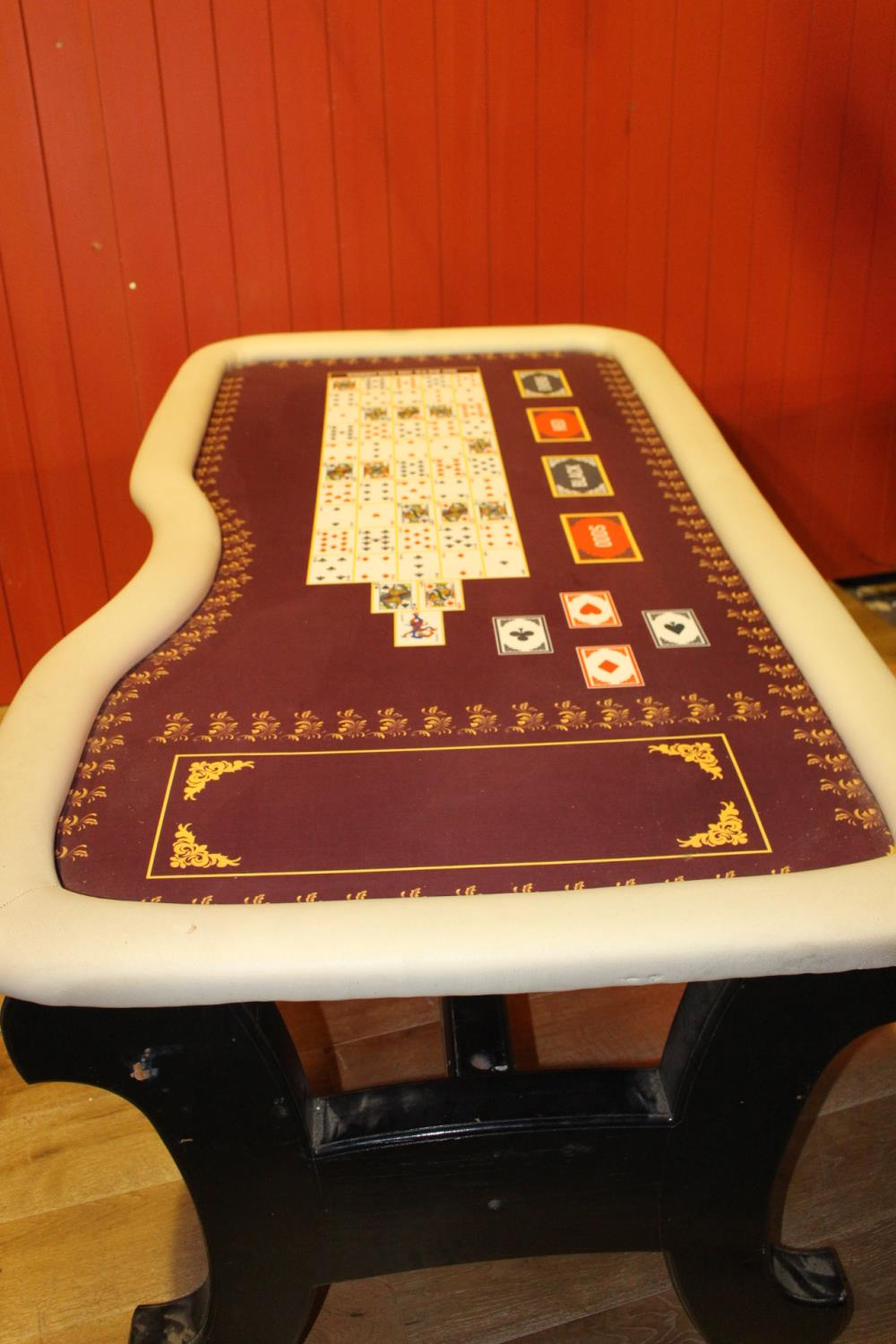 Card games table