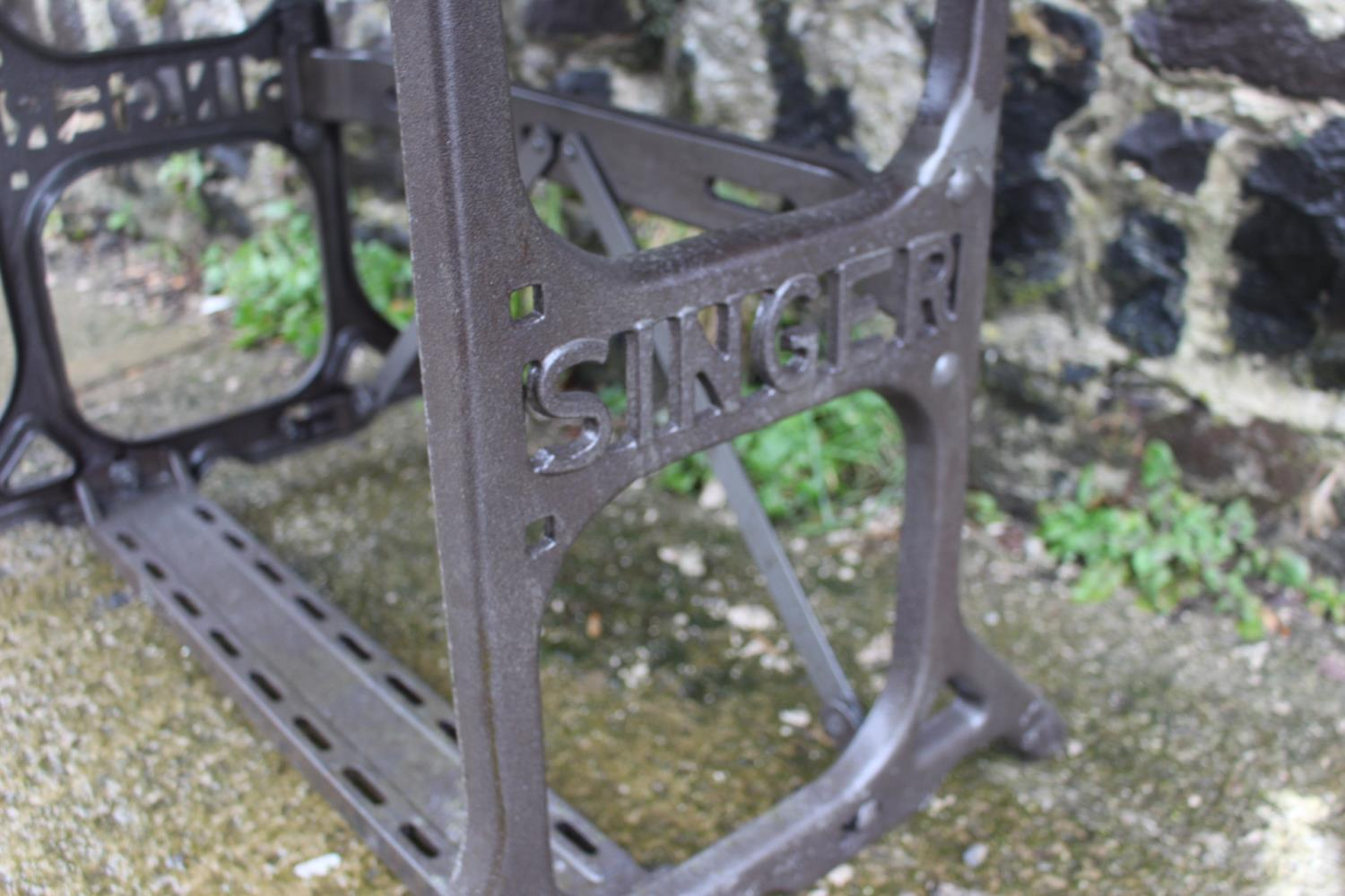 Cast iron Singer machine table - Image 2 of 2