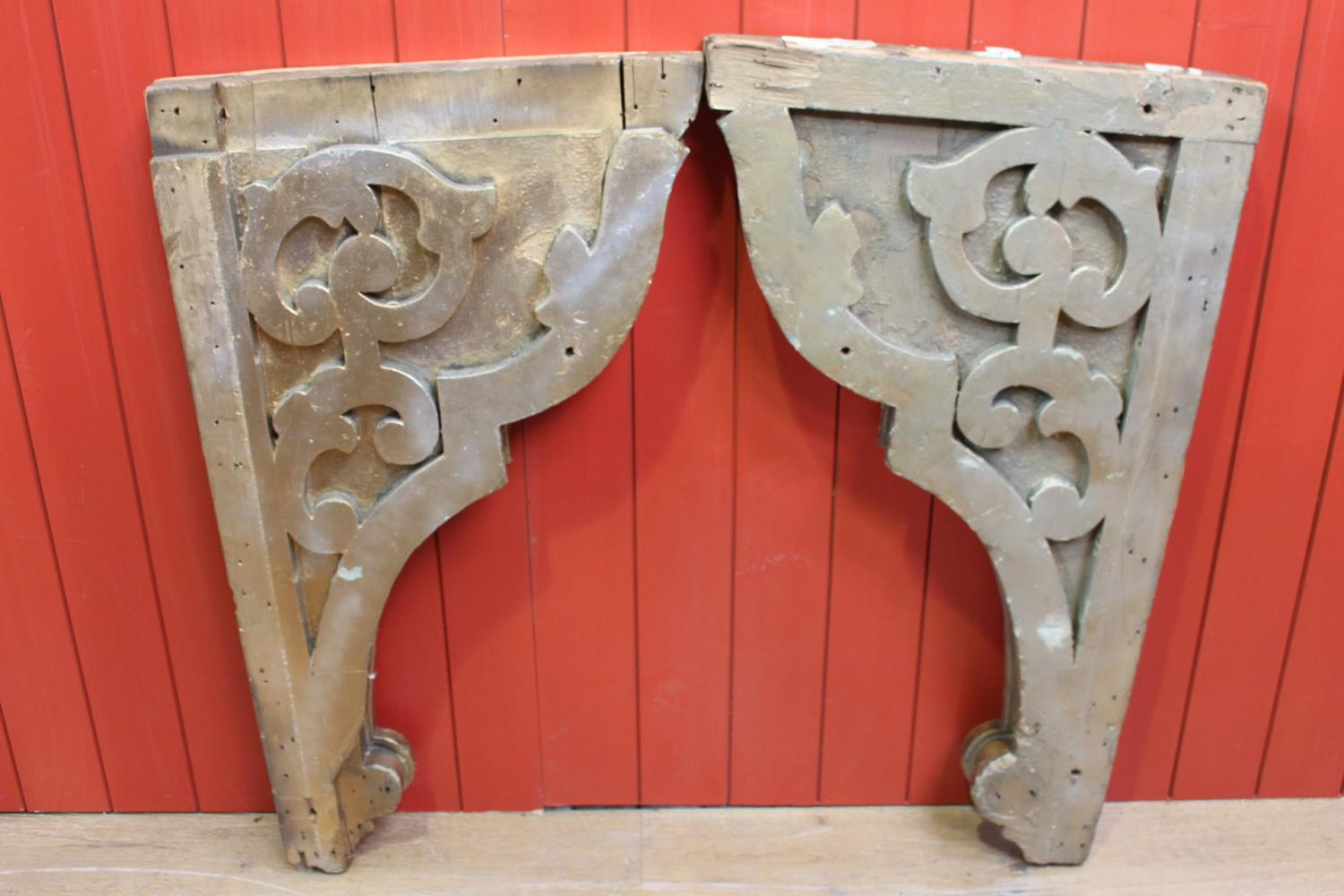 Pair of carved wooden corbels - Image 2 of 2