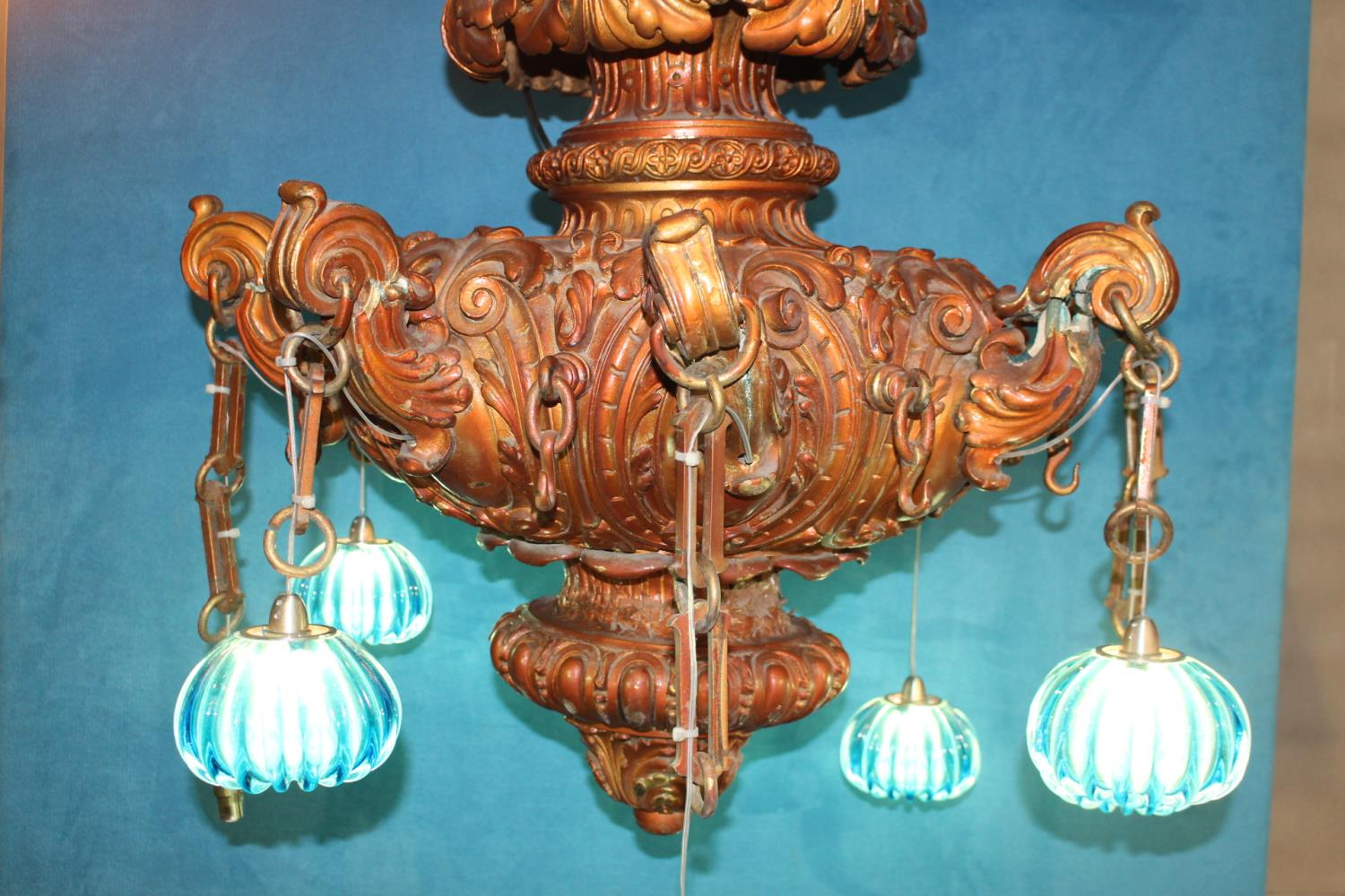 Eight branch chandelier - Image 2 of 2