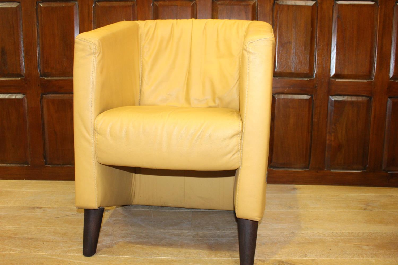 Single tub chair