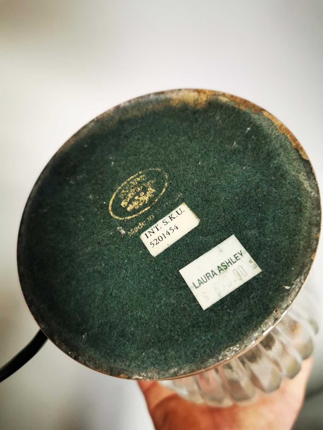 Good quality Laura Ashley table lamp - Image 8 of 8