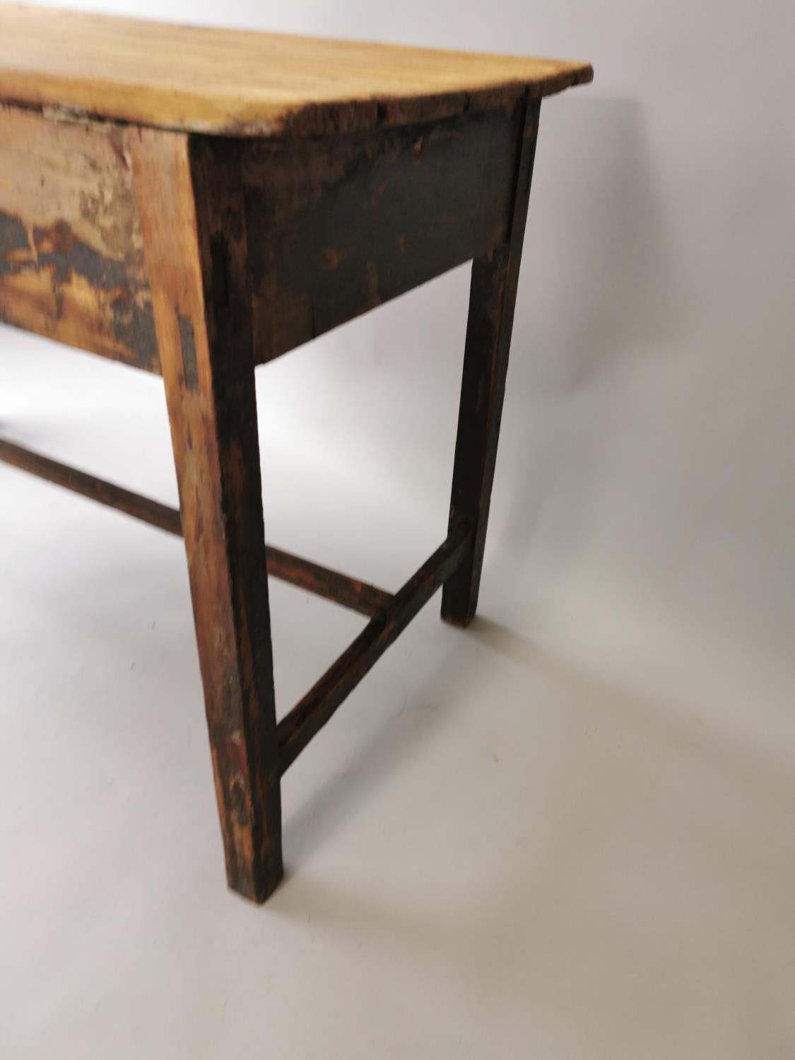 19th. C. painted pine table - Image 7 of 7
