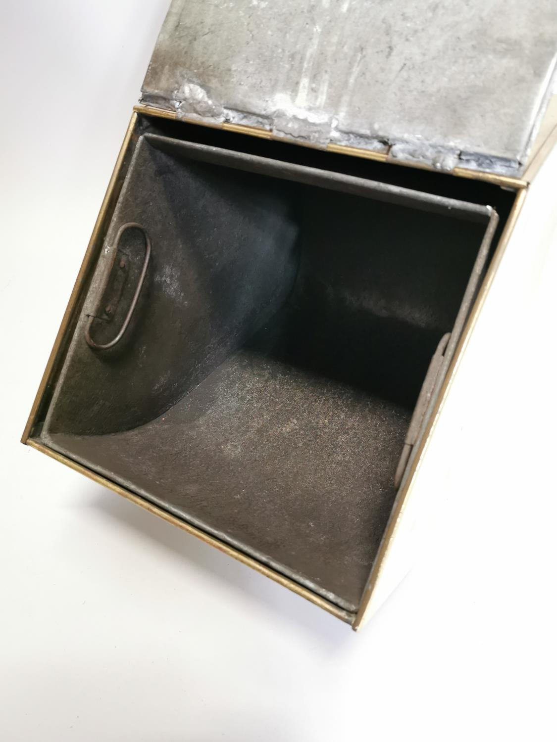 Good quality brass and metal coal box - Image 8 of 8