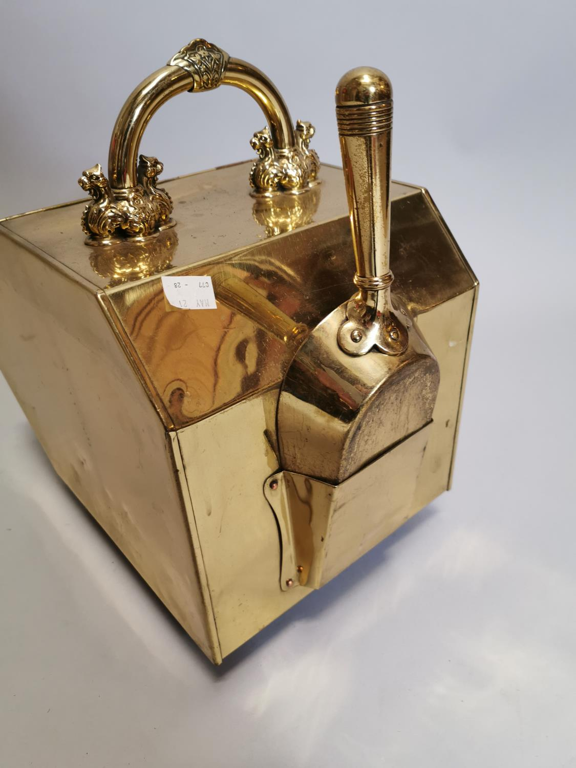 Good quality brass and metal coal box - Image 6 of 8