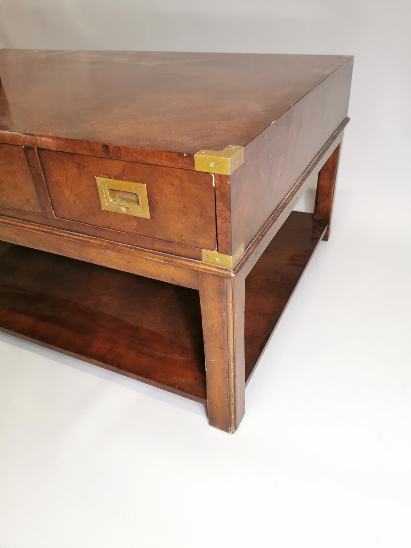 Good quality walnut coffee table - Image 6 of 7