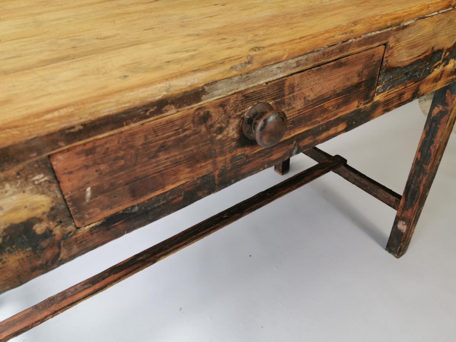 19th. C. painted pine table - Image 5 of 7