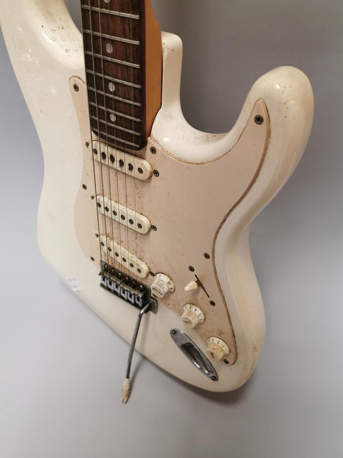 Squire Fender electric guitar - Image 5 of 5