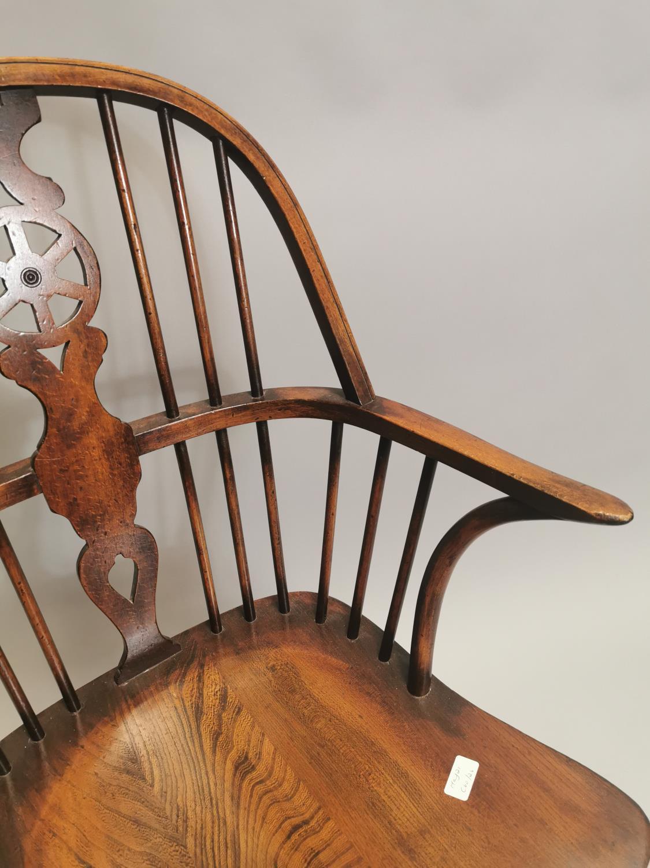 Good quality oak Windsor armchair - Image 3 of 7