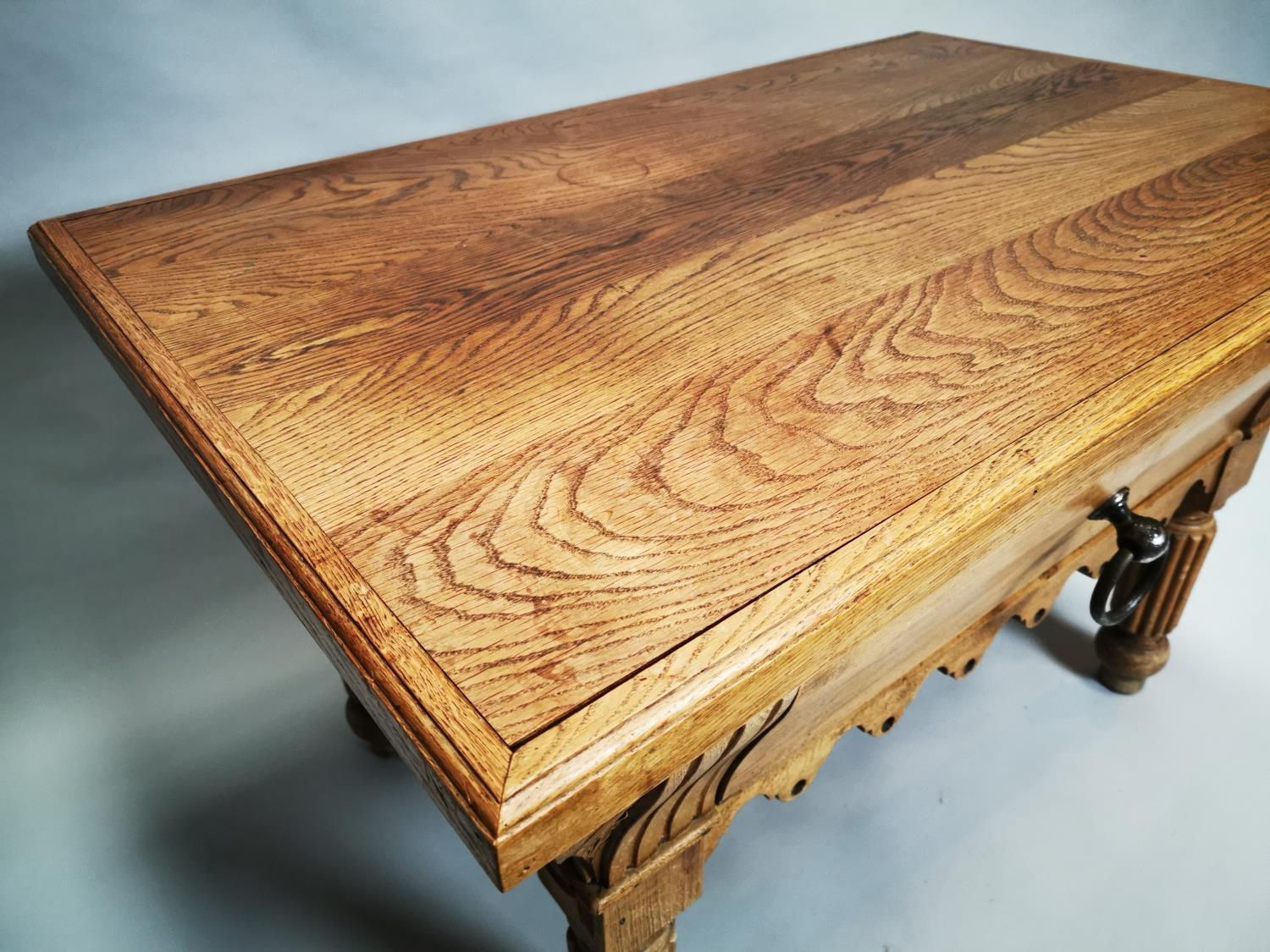 Early 20th C. pine and oak butchers table - Image 5 of 12