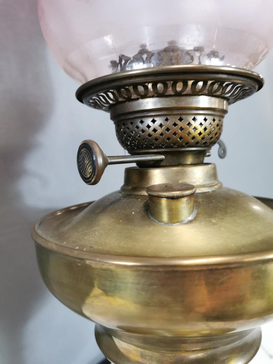 19th. C. table oil lamp - Image 3 of 3