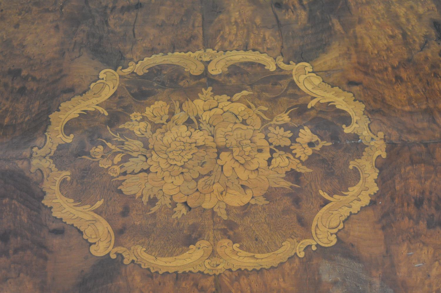19th. C. walnut inlaid centre table - Image 4 of 5