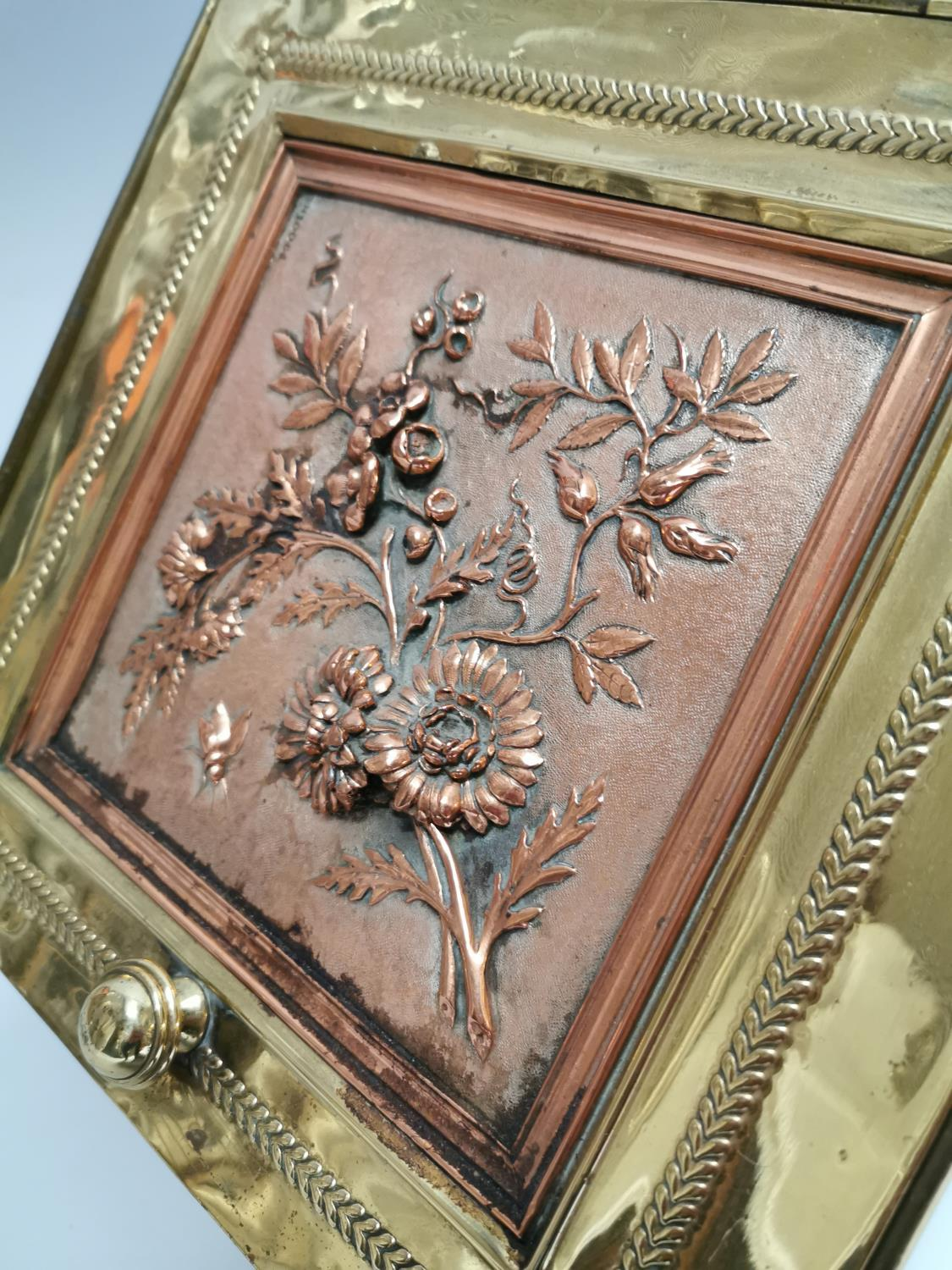Good quality brass and metal coal box - Image 3 of 8