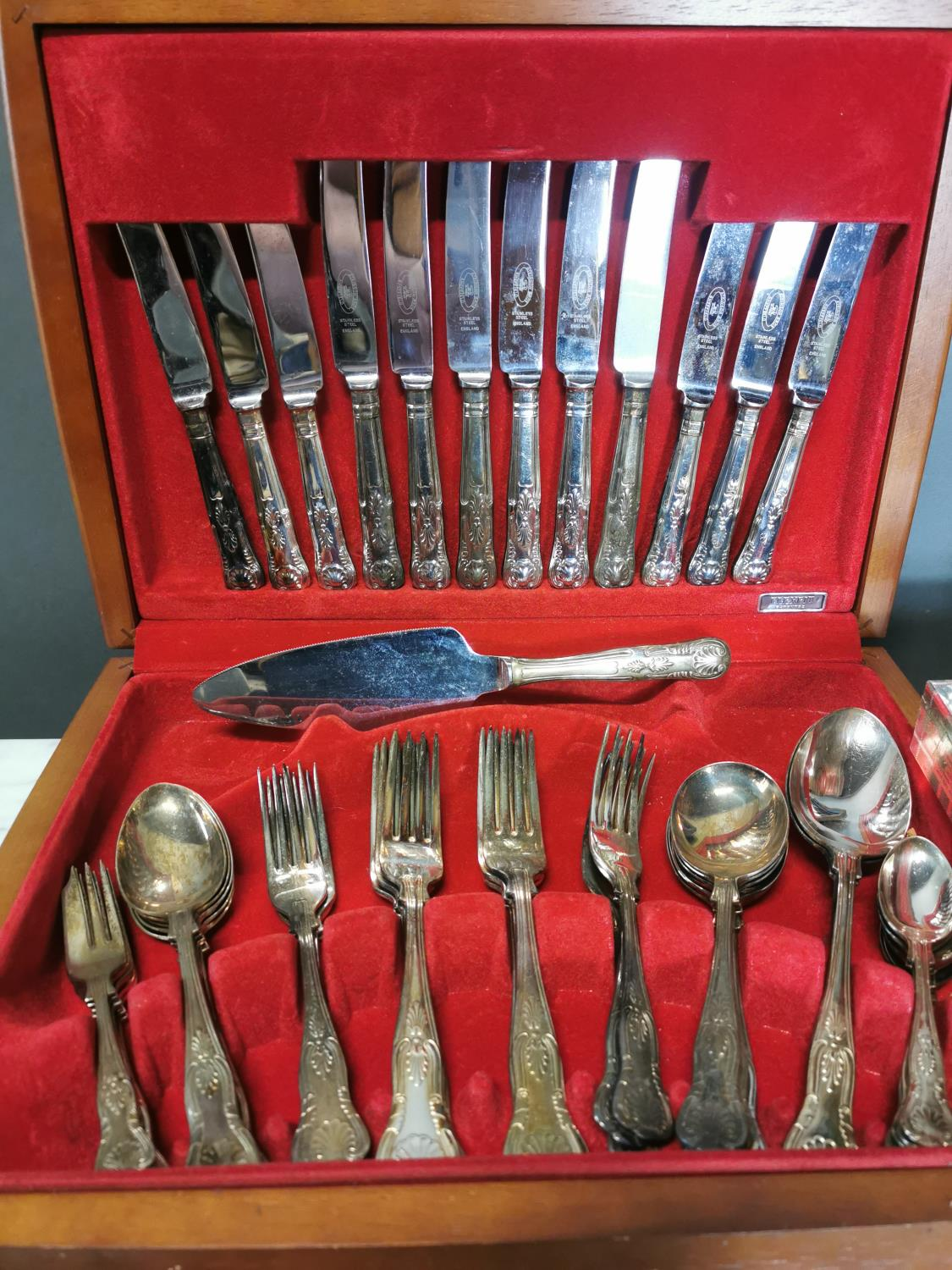 Two sets of Kings pattern cutlery and another set - Image 2 of 4