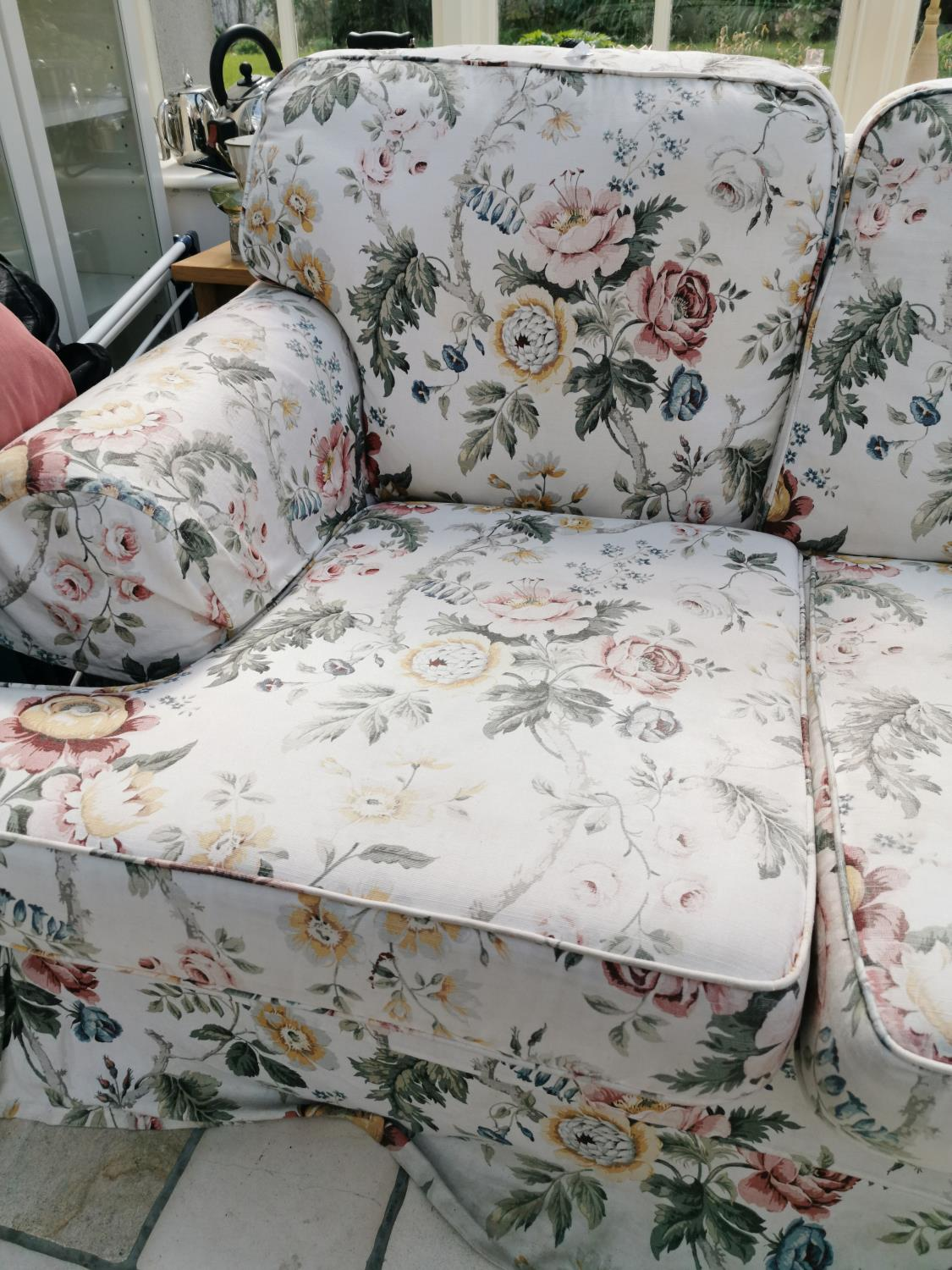 20th. C. three seater upholstered chesterfield couch - Image 2 of 2
