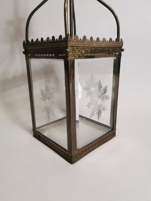Good quality brass and glass hall lantern - Image 2 of 7