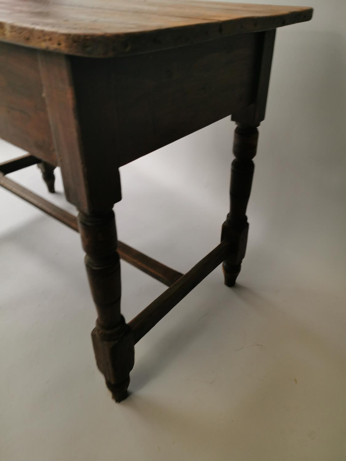 19th. C. painted pine table - Image 6 of 7