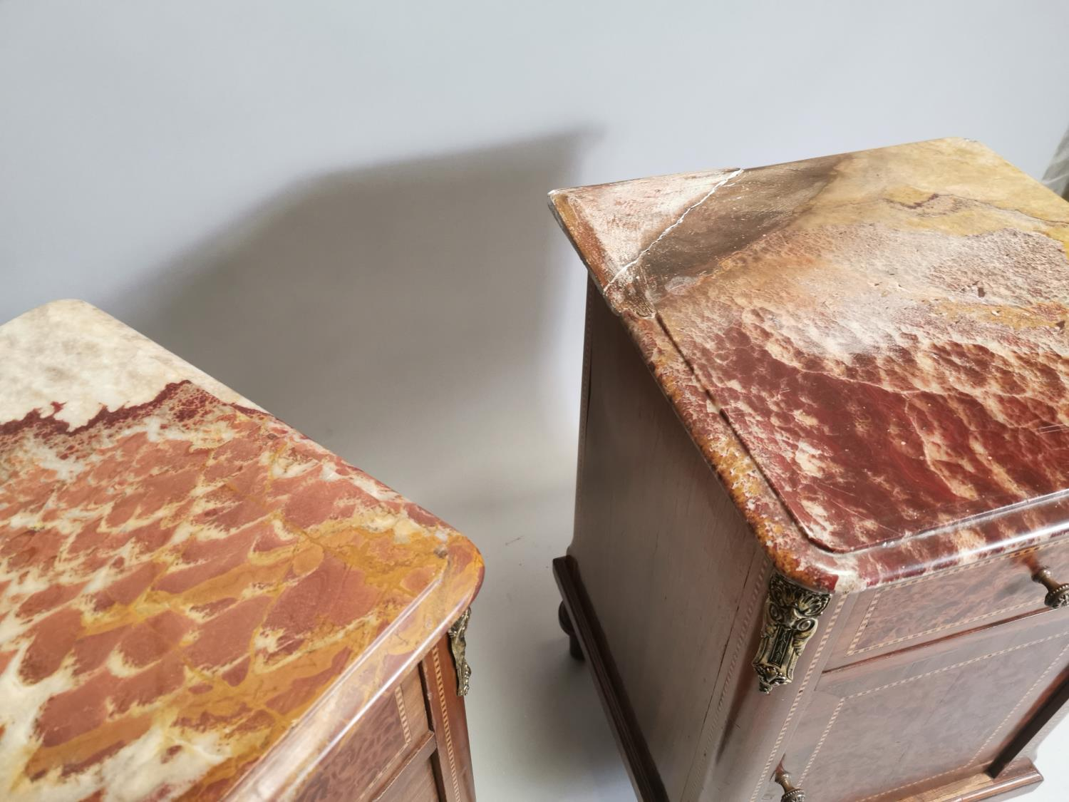 Pair of 19th. C. kingwood and burr walnut bedside lockers. - Image 8 of 8