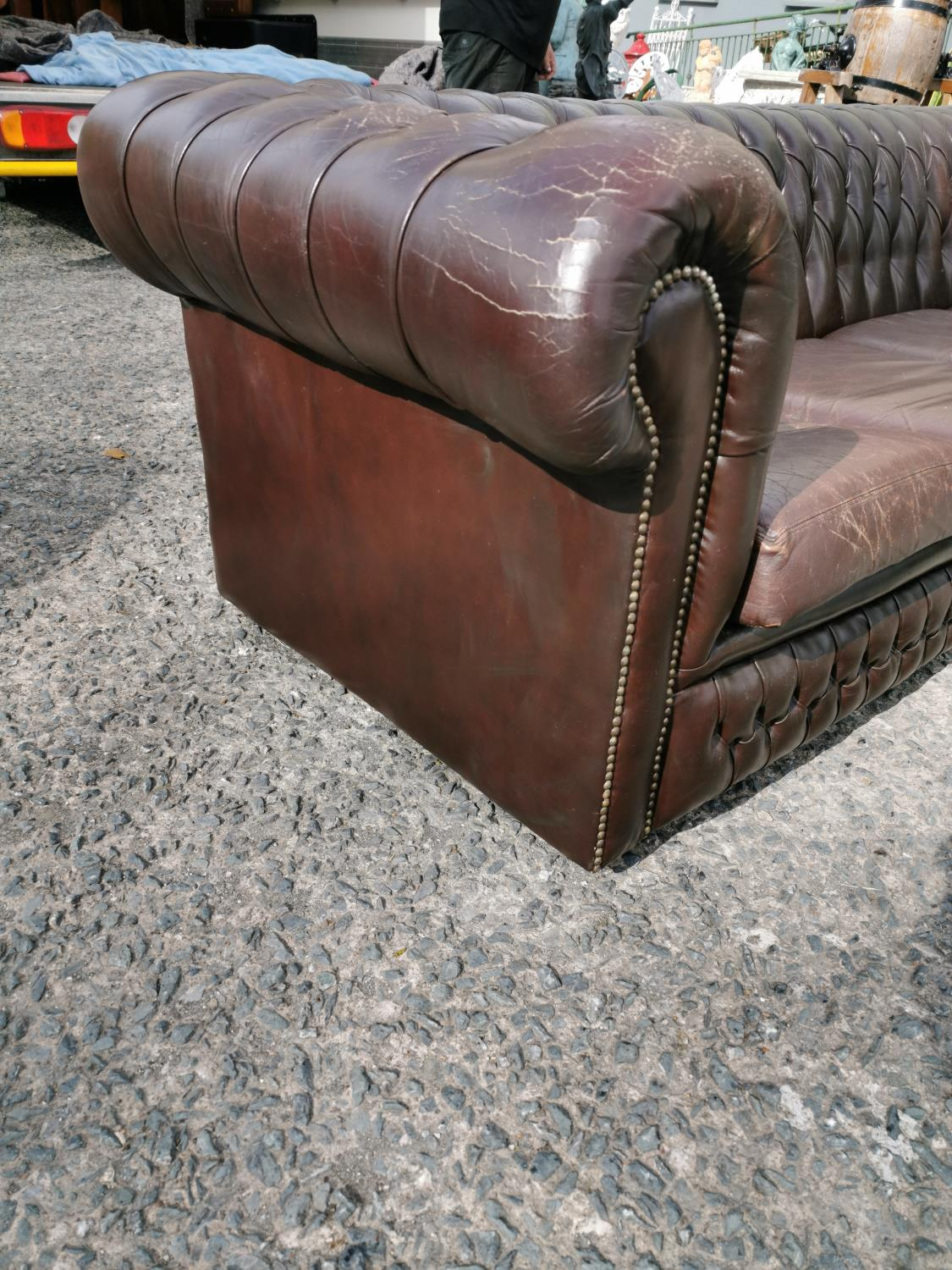 Four seater chesterfield sofa - Image 3 of 7