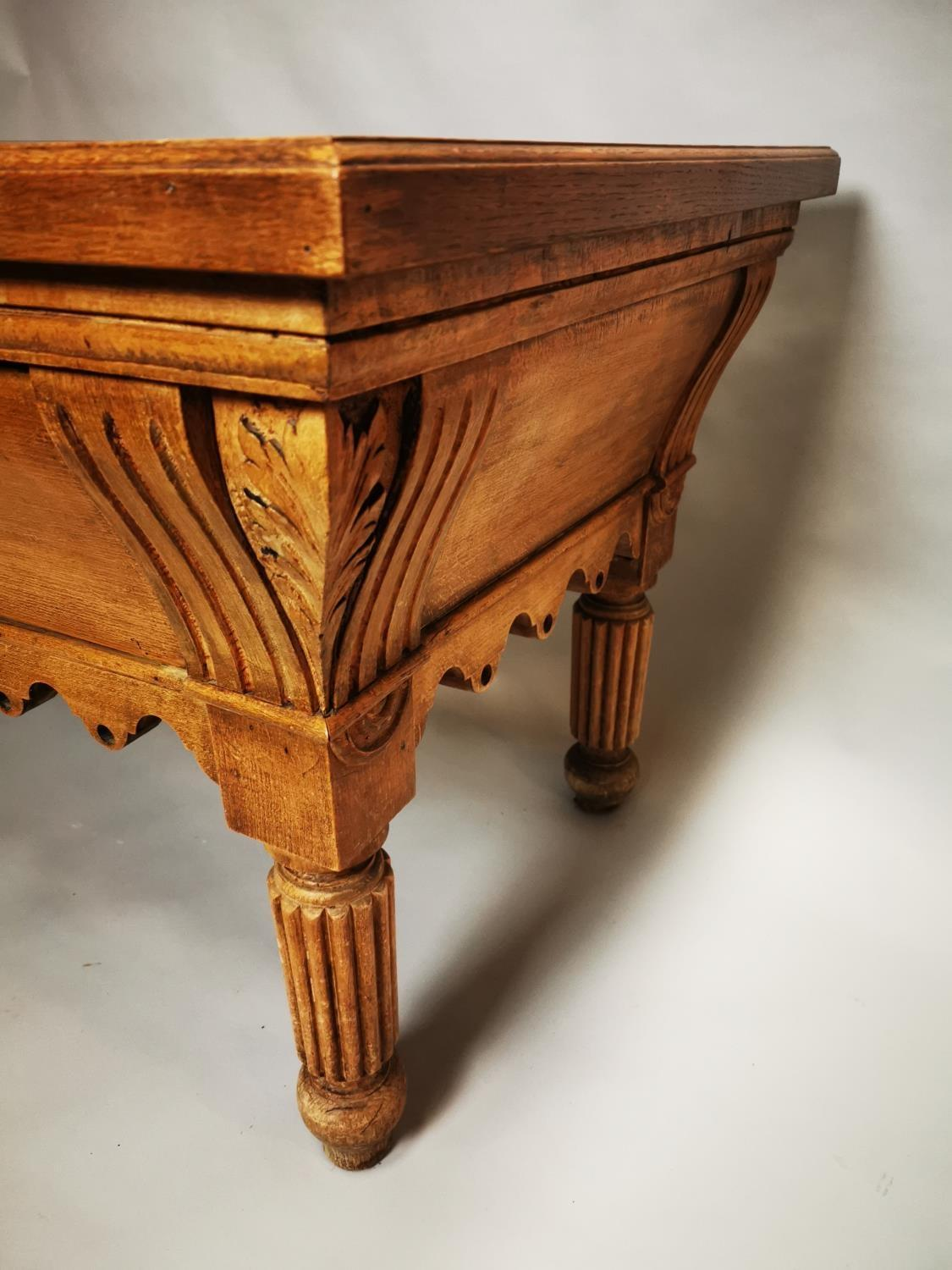 Early 20th C. pine and oak butchers table - Image 11 of 12