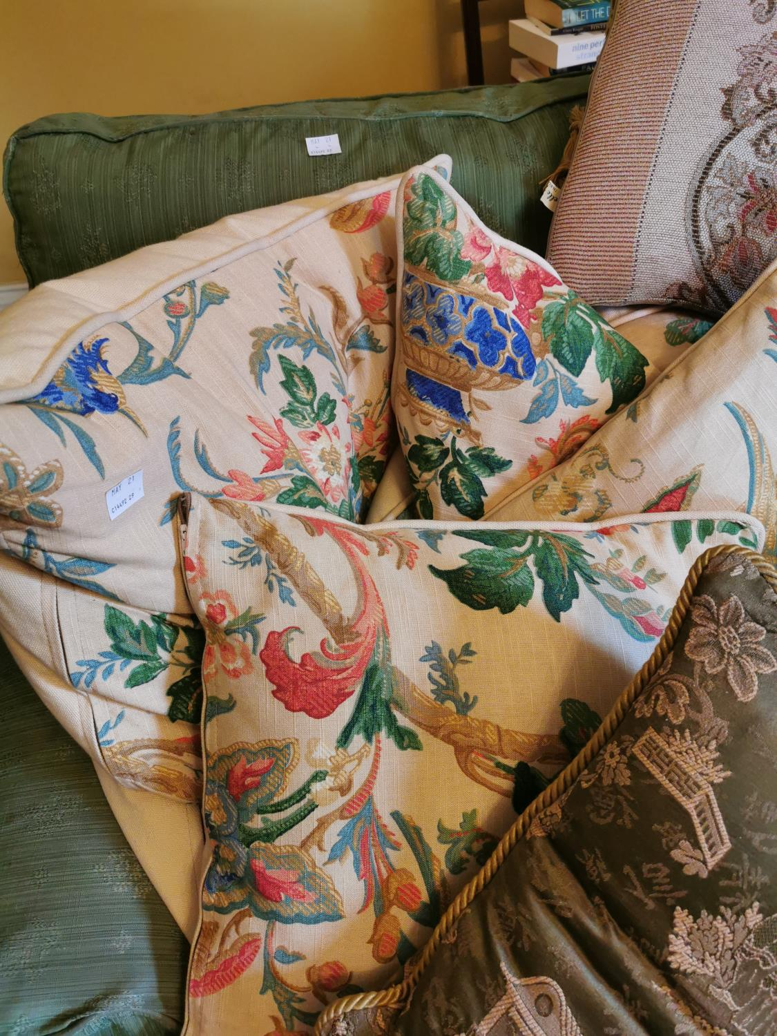 Collection of seven cushions - Image 2 of 2