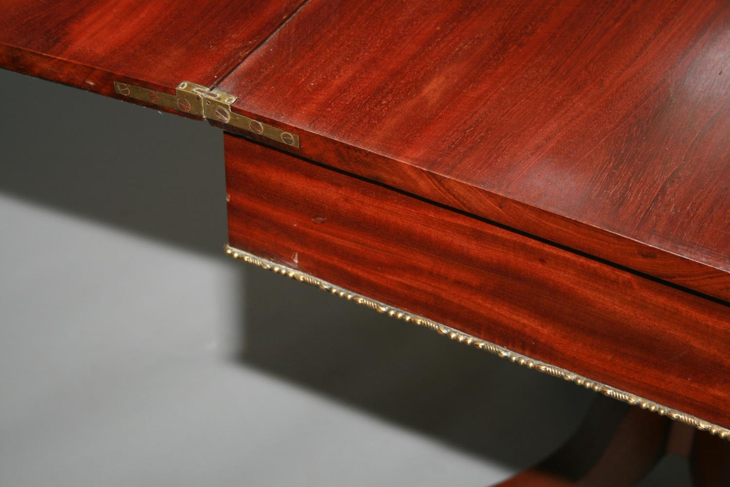 Fine Regency mahogany fold over tea table, the top with Rosewood cross banding and frieze with ebony - Image 4 of 4