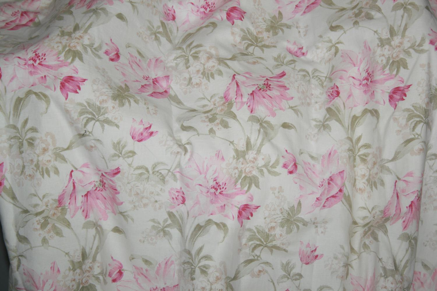 Two pairs lined curtains with floral pattern (1st pair lilac colour & 2nd pair pink) 300 W x 260 H - Image 2 of 3