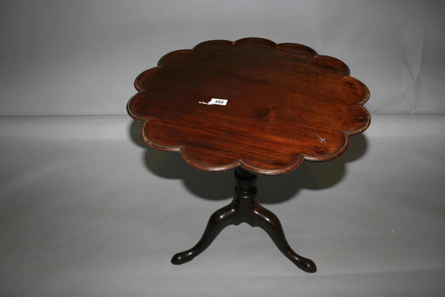 Georgian mahogany tripod table of high crust form with bird cage action. 70W x 70H - Image 3 of 4